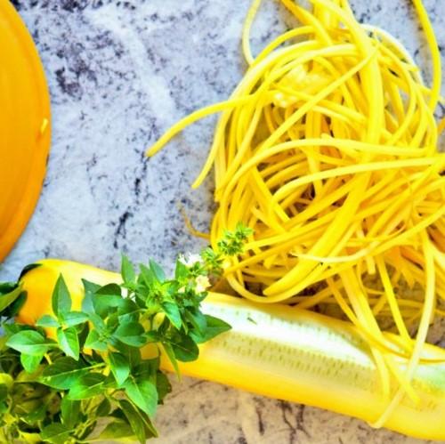 spaghetti de courgettes jaunes